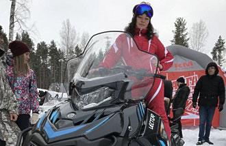 Фото на снегоходе RM Vector 551i